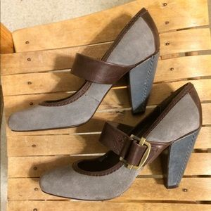 Bata Mary Jane heels burgundy, blue and gray